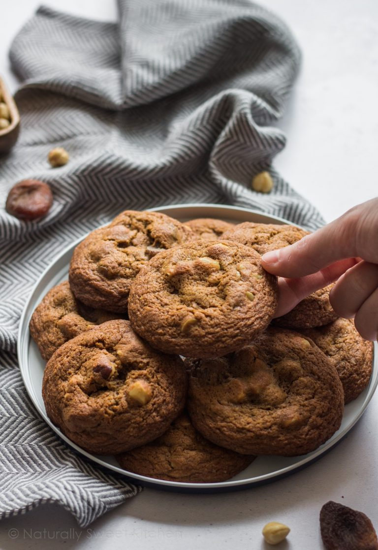 Apricot and Hazelnut Cookies