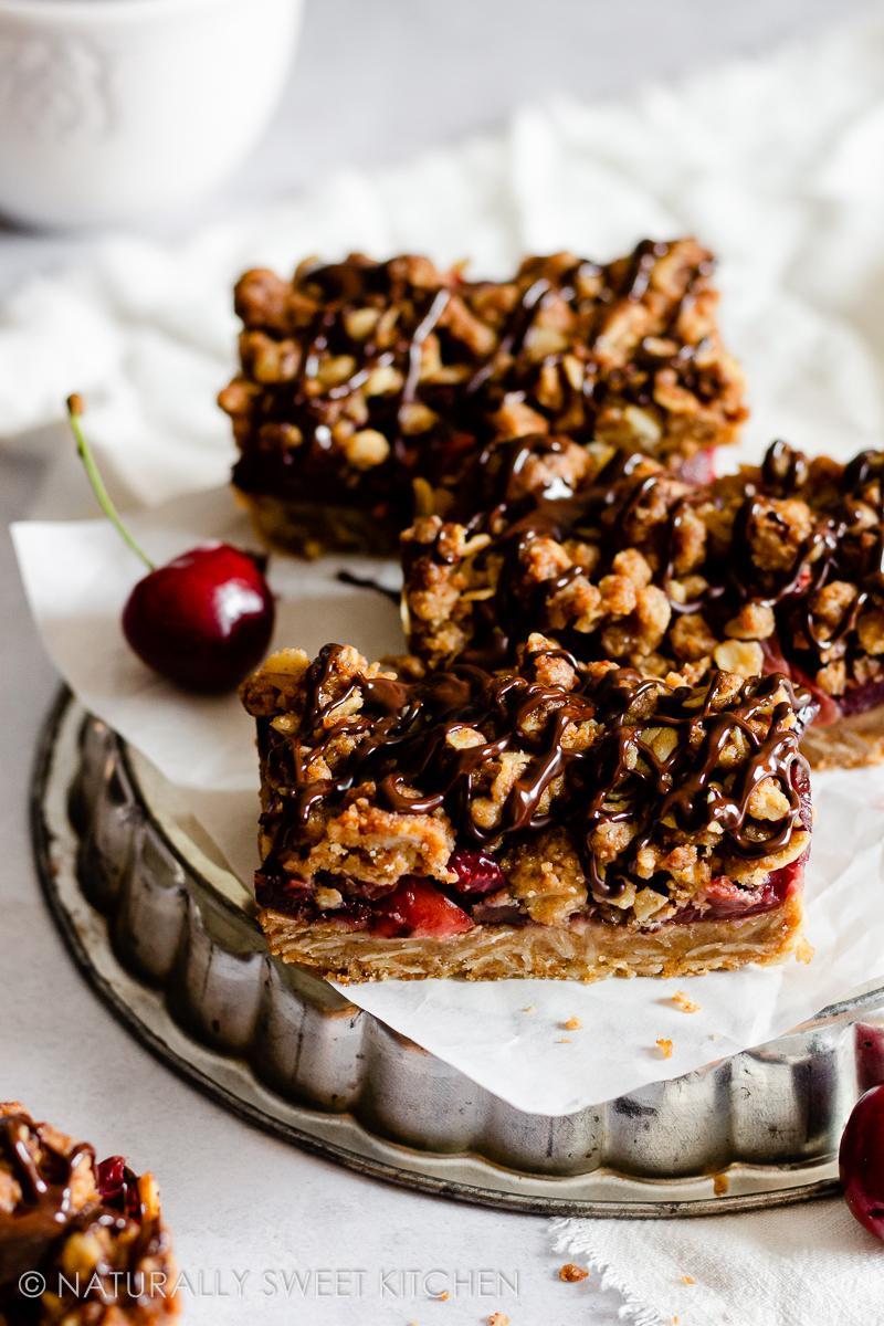 Cherry Crumble Bars
